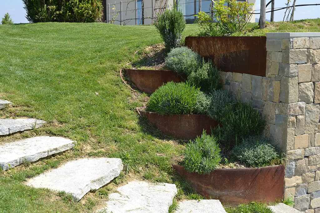 Giardino per cascina ristrutturata